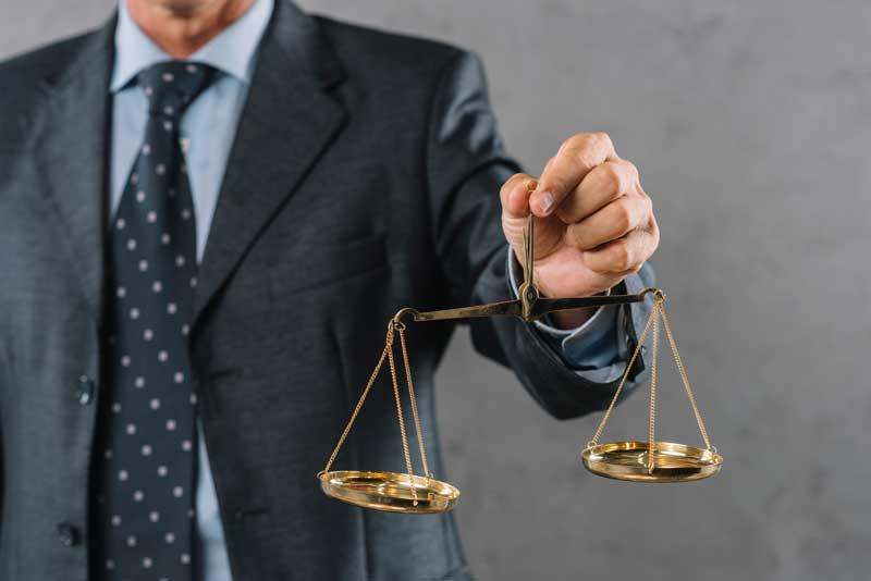 בחירת עורך דין לייצוג משפטי – שלושת כללי הברזל