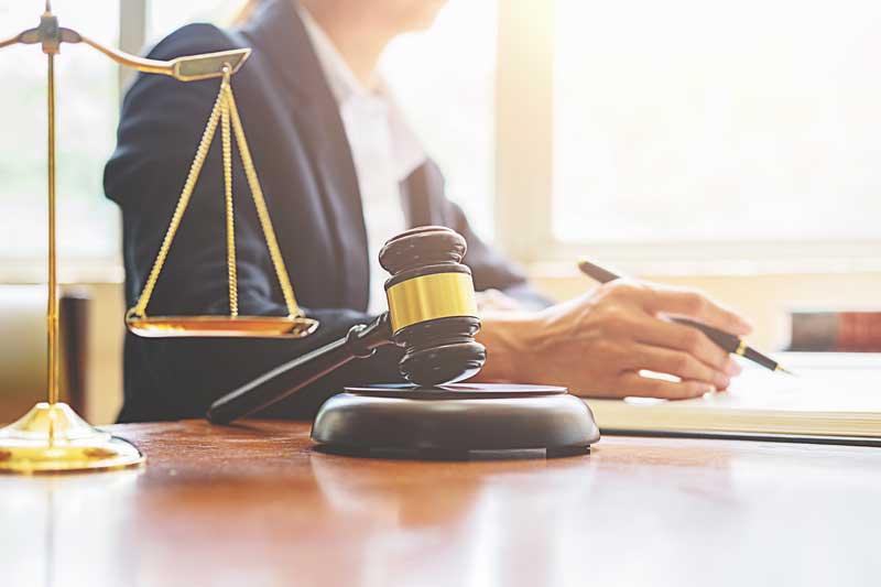 מה חושבים עורכי דין בישראל על הארכת ההתמחות?